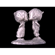 Hallmark Little Gallery Betsey & Beau Kiss Pewter