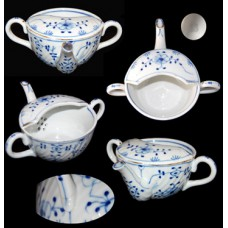 Meissen Blue Onion Double-Handled Invalid Cup