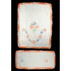 2 Piece Vintage Embroidered Doilies